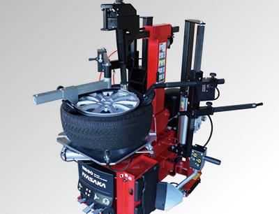 扁平タイヤの交換を強力サポート